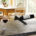 Thumbs Up Magischer Weinflaschenhalter