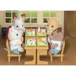 Epoch Traumwiesen Sylvanian Families Essen in der Schule