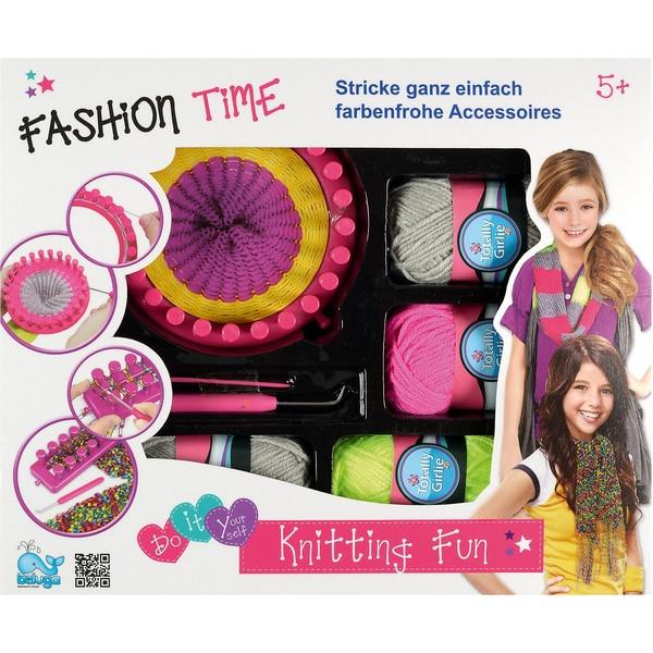 Beluga Knitting Fun
