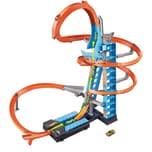 Mattel Hot Wheels Himmelscrash-Turm inkl. 1 Spielzeugauto motorisierte Autorennbahn