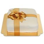 Geschenk-Torte weiß Schokoladenkuchen mit Schokoladenbuttercremefüllung 21 Portionen