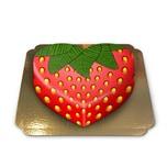 Erdbeer-Torte in Herzform Schokoladenkuchen mit Schokoladenbuttercremefüllung 10 Portionen